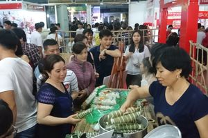 Cần Thơ rộn ràng khai mạc Lễ hội Bánh dân gian Nam bộ 2018