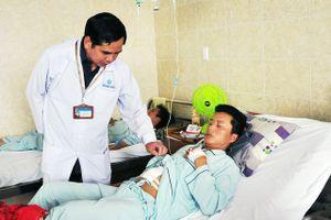 Hút nghìn con sán lá gan lớn trong ống mật của bệnh nhân