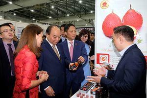 Bộ trưởng Trần Tuấn Anh tháp tùng Thủ tướng Chính phủ Nguyễn Xuân Phúc thăm chính thức Singapore