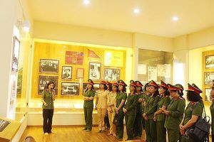Hoạt động ý nghĩa của Hội phụ nữ Cụm thi đua số 6 Công an Hà Nội