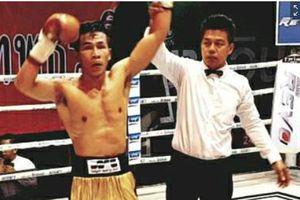 Võ sĩ Trần Văn Thảo hạ knock-out nhà vô địch Thái Lan chỉ 4 hiệp đấu