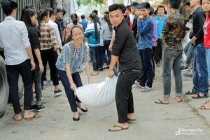 Tương Dương: Cấp phát gần 90 tấn gạo cho học sinh