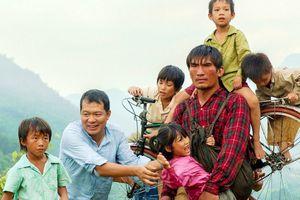 'Cha cõng con' giành giải Phim châu Á xuất sắc nhất tại Liên hoan phim Quốc tế Iran