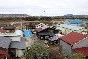 Cuộc sống ở ngôi làng bên Bàn Môn Điếm