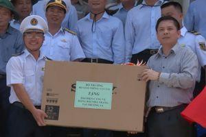 Chuyến đi đặc biệt của Bộ trưởng Nguyễn Văn Thể tại Trường Sa lớn