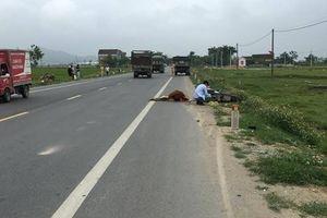 Nghệ An: Xe máy va chạm với ô tô chạy ngược chiều, một người vong tại chỗ