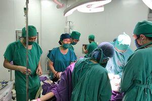 Phẫu thuật lấy thai thành công cho thai phụ mắc u gan nặng