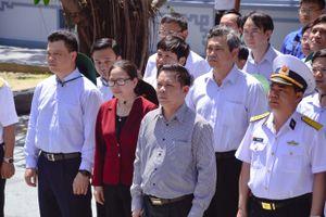 Hình ảnh Bộ trưởng Bộ GTVT Nguyễn Văn Thể thăm huyện đảo Trường Sa