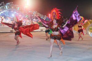 'Nóng' mắt với trang phục trình diễn tại Carnaval Hạ Long