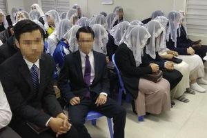 Phó hiệu trưởng cũng bị vợ lôi kéo vào Hội Thánh Đức Chúa Trời