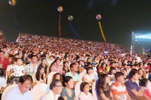 Hàng vạn người chen chân tại Lễ hội Carnaval Hạ Long- Quảng Ninh