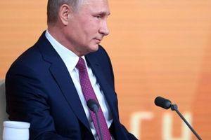 TT Putin: 'Tôi viết chữ xấu đến nỗi tôi cũng không luận ra nổi'