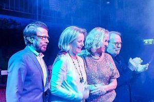 Nhóm ABBA lần đầu tiên phát hành sản phẩm âm nhạc sau 35 năm