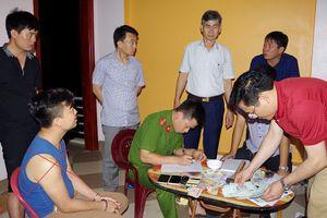 Hà Nam: Bắt quả tang 30 người đánh bạc, thu giữ gần 200 triệu đồng