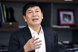 Mẹ tỷ phú Trần Đình Long chuyển quyền thừa kế cổ phiếu cho các con