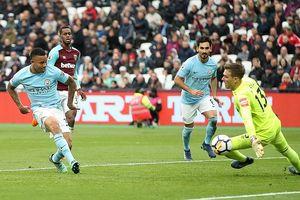 Đè bẹp West Ham, Man City cân bằng kỷ lục của Chelsea ở Premier League