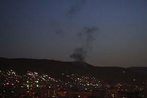 Hàng loạt căn cứ quân sự Syria bị tấn công tên lửa, 40 người có thể thiệt mạng
