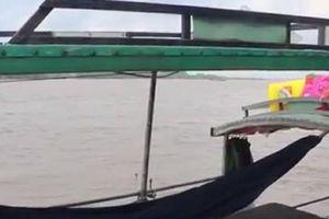 Đã tìm thấy thi thể của người lái đò mất tích trên sông Tiền
