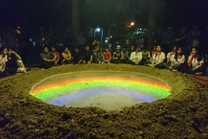 Ngỡ ngàng xem 'núi lửa phun trào' tại Festival Huế 2018