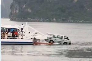Đi phà từ Hải Phòng sang Tuần Châu, một ôtô suýt rơi xuống biển