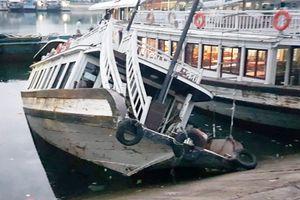 Tàu chở khách gặp sự cố nước tràn vào khoang máy