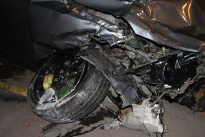 Xe điên hất văng 3 xe máy, 6 người bị trọng thương
