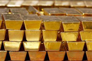 Đồng USD tăng giá mạnh, giá vàng kết tháng 4 giảm