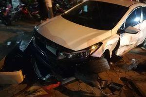 Ô tô đâm liên hoàn ở Biên Hòa, 6 người bị thương nhập viện