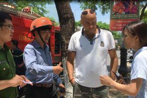Du khách nước ngoài cứu hai cháu nhỏ thoát khỏi đám cháy