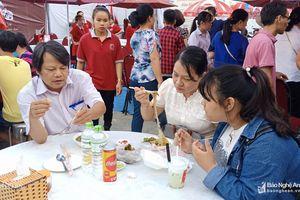 Dê leo núi, lươn Nghệ An hút khách tại Liên hoan ẩm thực quốc tế Huế