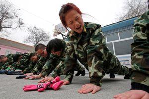 'Thế giới' hà khắc sau những cảnh cổng đóng kín của các trại cai nghiện Internet ở Trung Quốc