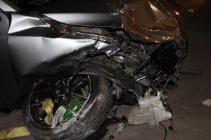Ôtô gây tai nạn liên hoàn trong đêm, một phụ nữ mang thai nguy kịch
