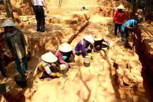 Phát hiện phế tích tháp Chăm có niên đại khoảng 1.000 năm tuổi