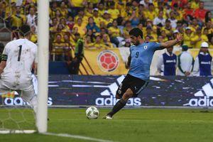 Luis Suarez đội tuyển Uruguay: Thay đổi để đền đáp