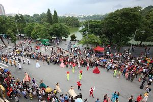 'Lễ hội' văn hóa Châu Âu tại không gian phố đi bộ Hà Nội