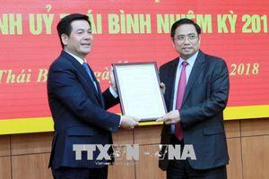 Trao quyết định chuẩn y đồng chí Nguyễn Hồng Diên làm Bí thư Tỉnh ủy Thái Bình