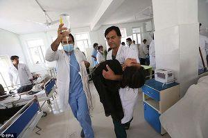 Nghi bị tấn công bằng khí độc, 45 nữ sinh Afghanistan nhập viện