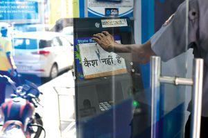 Ấn Độ lại khủng hoảng tiền mặt