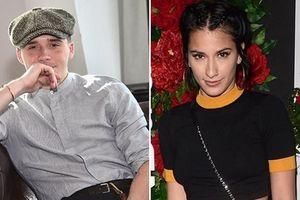 Con trai Beckham bị chế giễu vì yêu bạn gái lớn hơn 8 tuổi