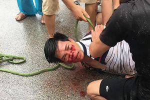 Dân vây đánh người đi ô tô 4 chỗ vì tình nghi bắt cóc trẻ em