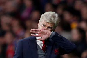HLV Wenger rất buồn khi Arsenal bị loại ở bán kết Europa League