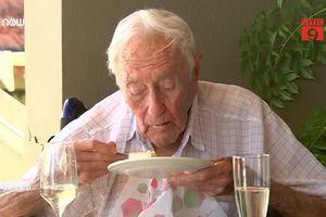 Nhà khoa học Úc 104 tuổi ước được chết trong sinh nhật