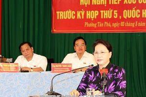 Chủ tịch Quốc hội Nguyễn Thị Kim Ngân tiếp xúc cử tri tại thành phố Cần Thơ