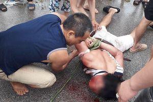 Khám nhà đối tượng nghi bắt cóc trẻ em ở Hưng Yên