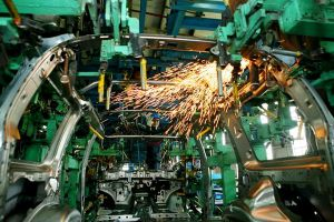 Các hãng ô tô tiếp tục mở rộng đầu tư