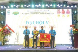 Tổng LĐLĐVN tặng Cờ thi đua xuất sắc cho CĐ TCty VEAM