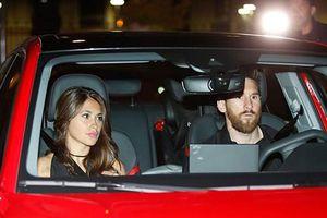 Messi và đồng đội mừng cú đúp danh hiệu ở khách sạn hạng sang