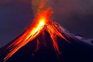 Núi lửa phun trào tại Hawaii sau 600 trận động đất trong 4 ngày