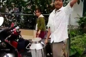 Về clip nông dân đổ sữa: Vinamilk đã gặp, trao đổi với hộ dân