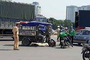 Ba tài xế taxi đánh chết người lái xe ba gác do va chạm giao thông
